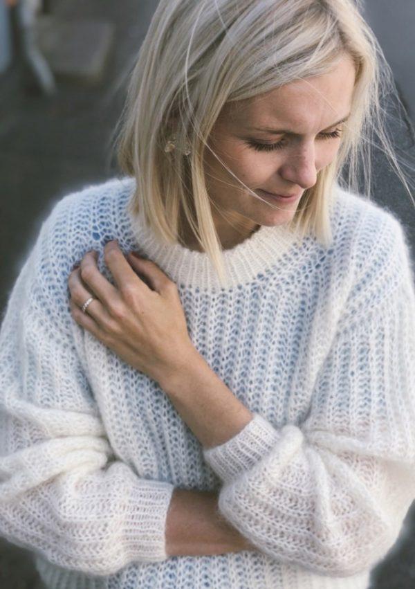 pk3_september_sweater_1